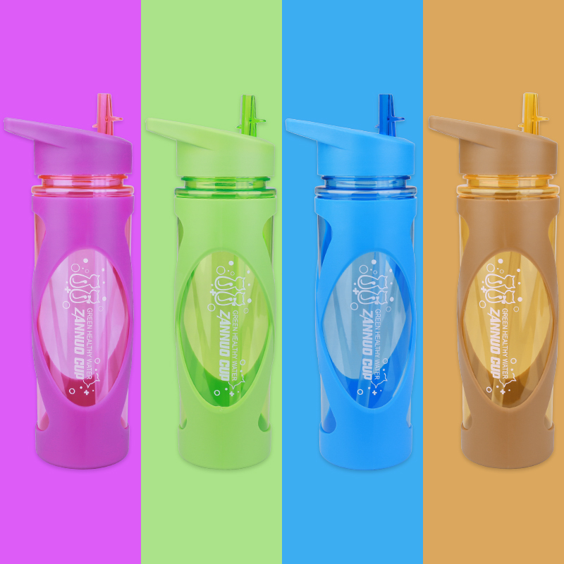 580ML Sports Flip Straw Drinking Water Bottle Sealed Leak-proof Straw Space Bottle with Silicone Sleeve - Blue