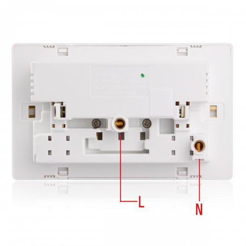 UK Power Socket With 2 USB Charging Ports & Swithes Connection Wall Plate Plug