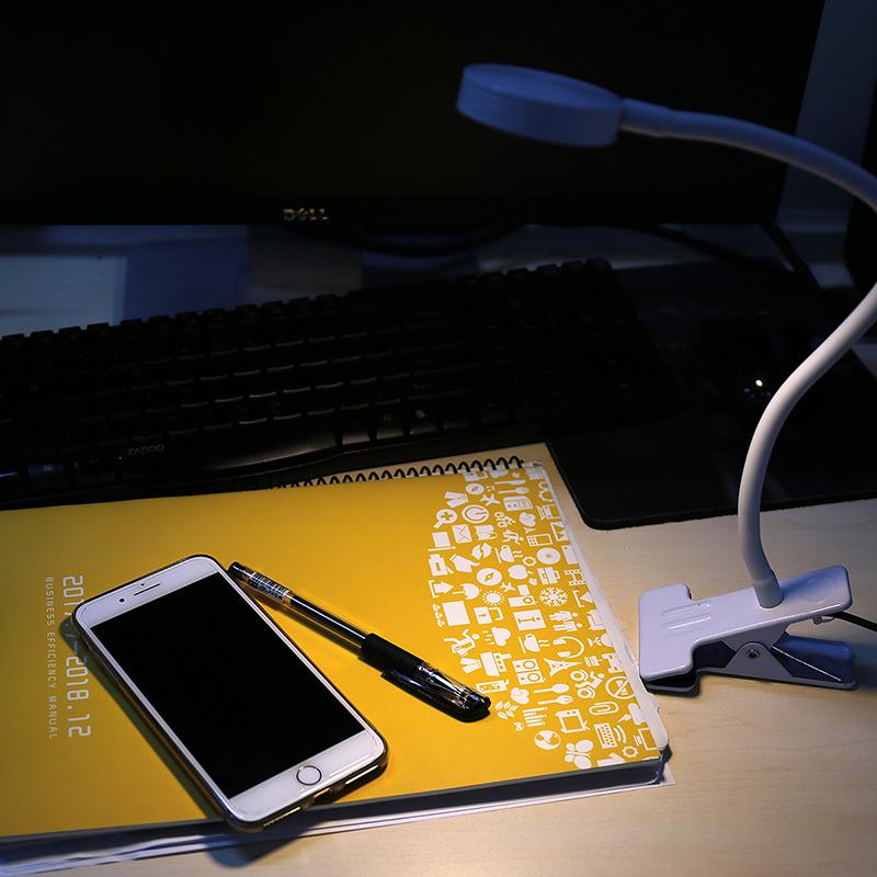 Flexible USB LED Light Flat Metal Clip-on Bed Table Desk Study Night Reading Lamp - White